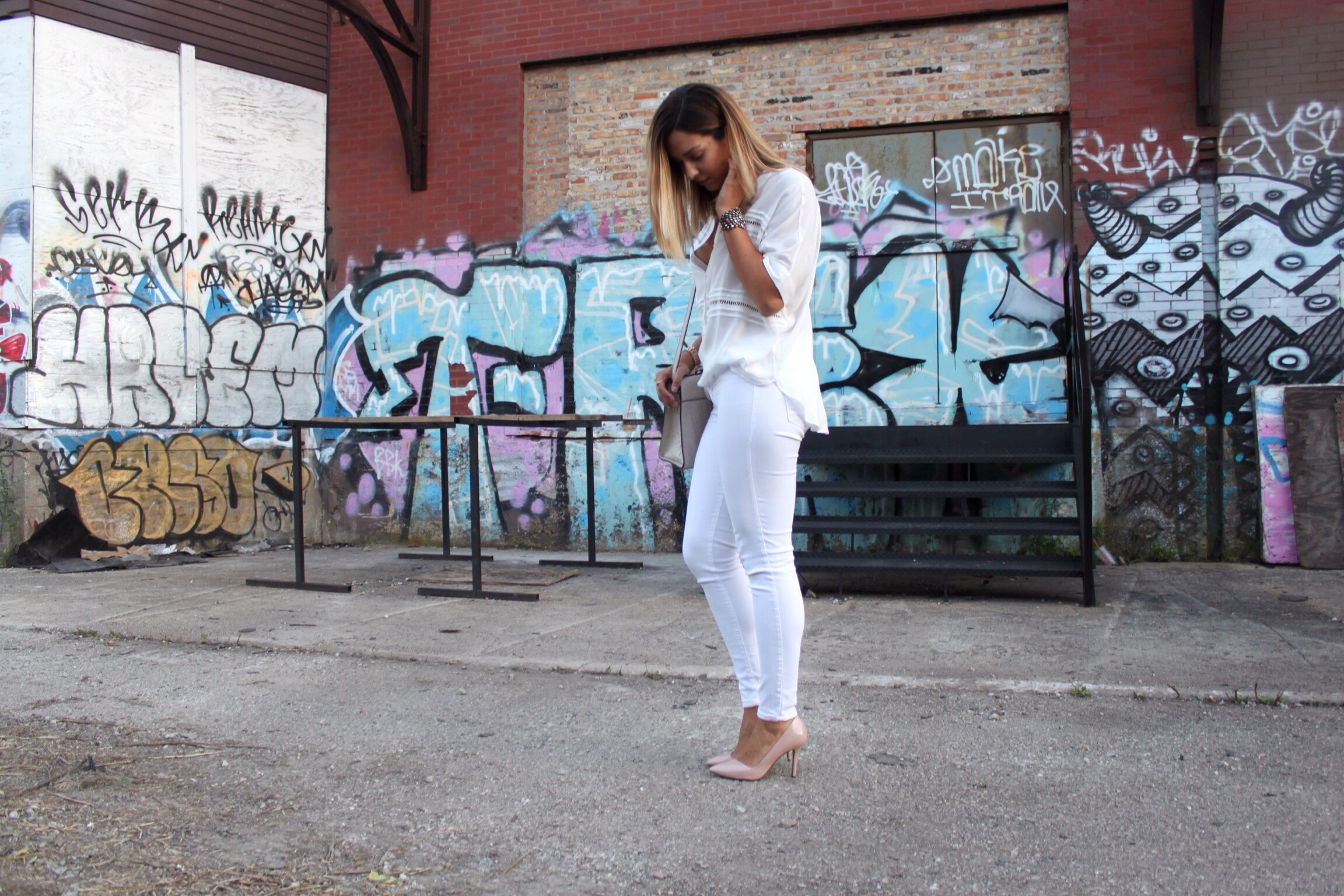 classic all white outfit idea