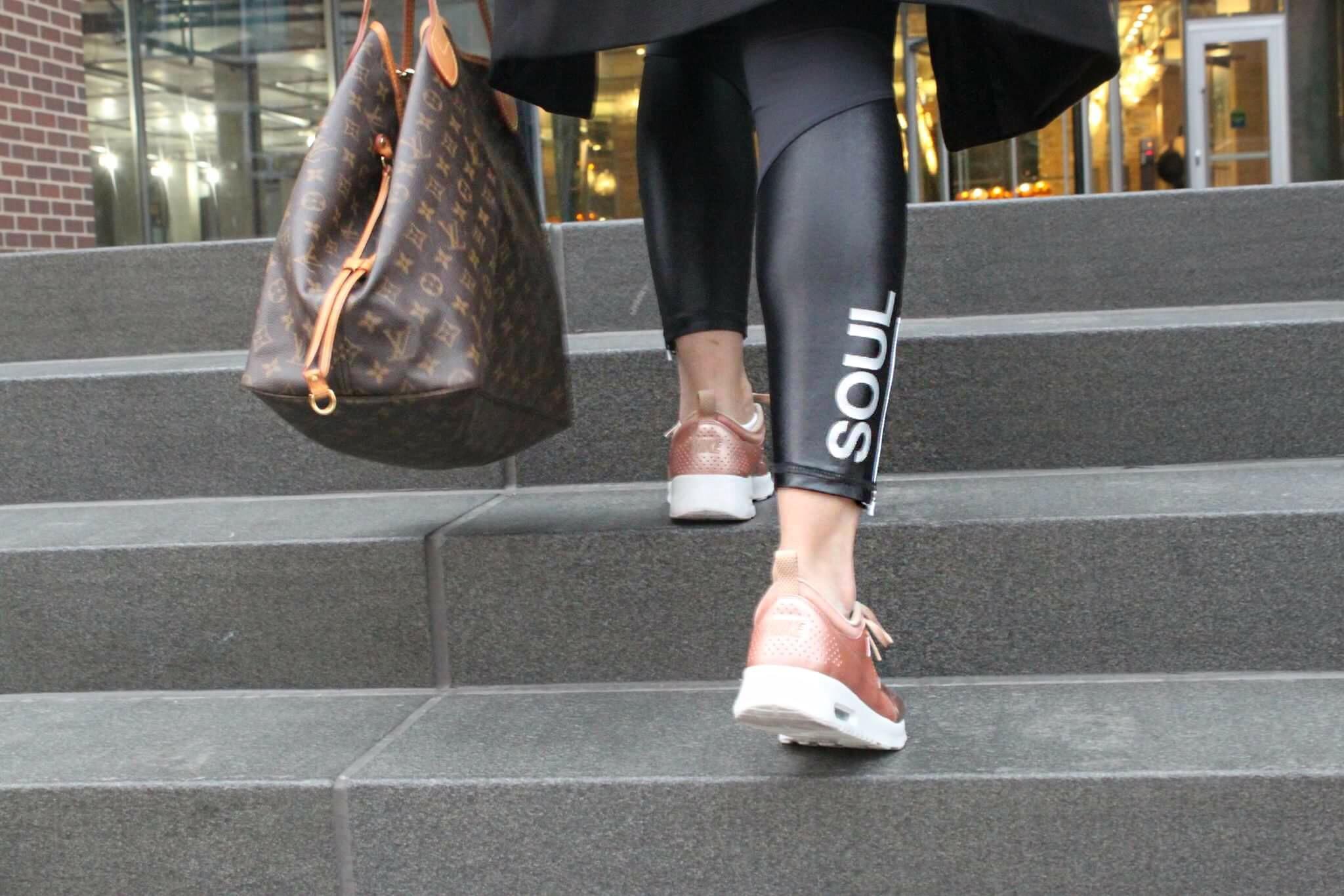 Nike Air Max Thea Rosa Vestito Metallizzato Oro PfUq4M